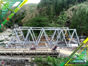 Erection Jembatan Rangka Baja kali keruh - watu kumpul pemalang (tipe B-60)